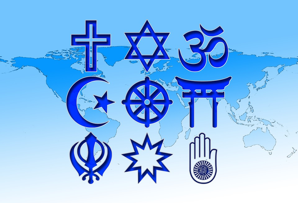 政治観、宗教観の押し付け