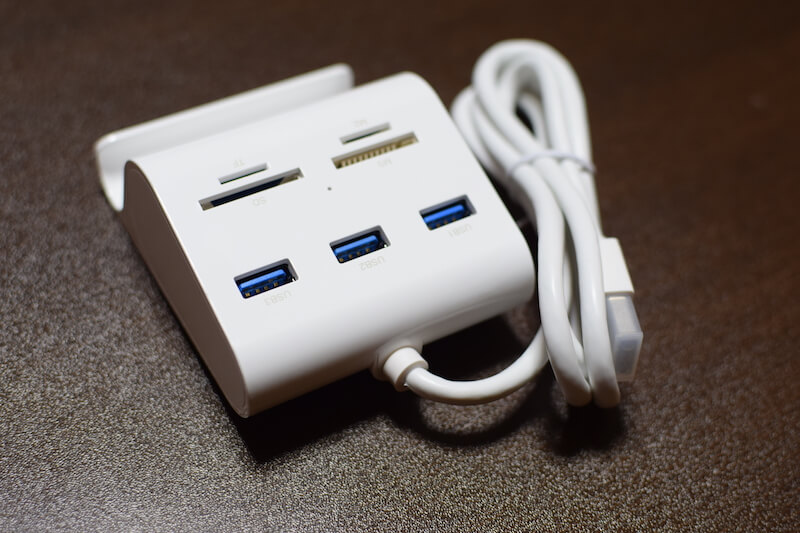UGREEN カードリーダー USB3.0 ハブ 3ポート搭載 SDマルチカードリーダー外観