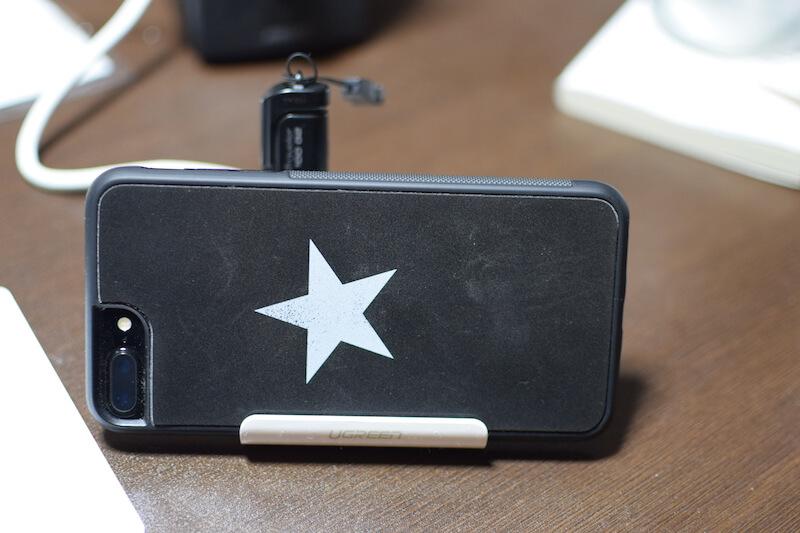 UGREEN カードリーダー USB3.0 ハブ 3ポート搭載 SDマルチカードリーダー はスマホスタンドにもなる